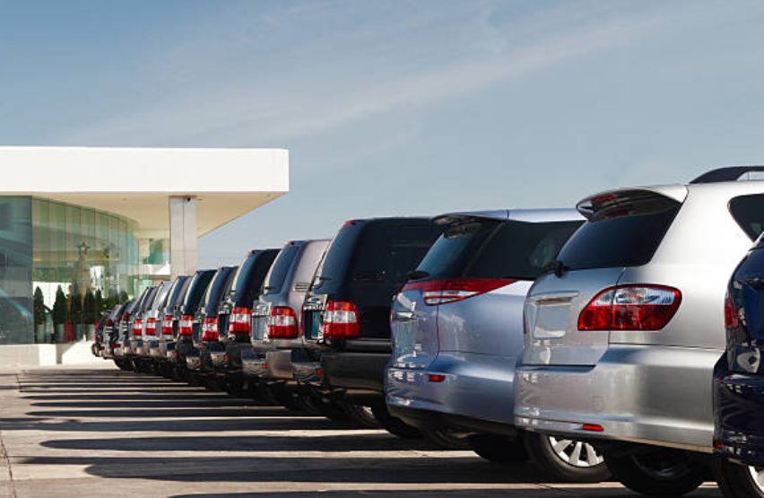 How Long Will Cheap Debt Bail Out Automakers? | Mises Wire