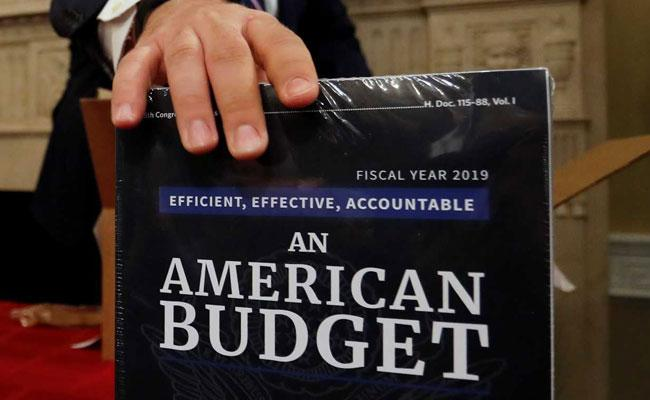 american-budget-2019-reuters-650_650x400_41518484568 (1).jpg