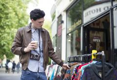 Consumer-Shopping-Casual-Man-Vintage-2353875.jpg