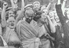 Gandhi at Darwen with women