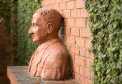 Mises Statue.jpg