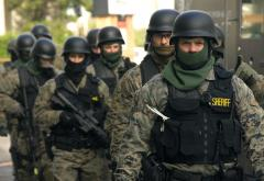 SWAT_team_prepared_(4132135578).jpg