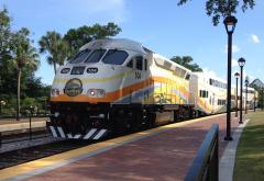 SunRail_train_leaving_Winter_Park_Station.JPG