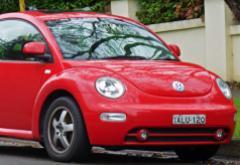 2000-2005_Volkswagen_Beetle.jpg
