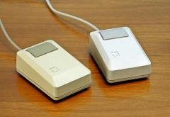 Apple_Macintosh_Plus_mouse.jpg