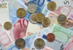 Euro_coins_and_banknotes_0.jpg