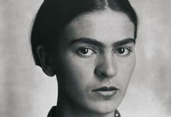 Frida_Kahlo,_by_Guillermo_Kahlo_2.jpg