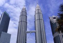 Petronas_Twin_Towers_in_Kuala_Lumpur_(Malaysia).JPG