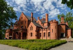 castle_house.jpg