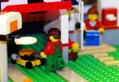 Un-PC Lego Insists on Making Toys Girls Like