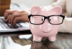 Piggy bank with glasses