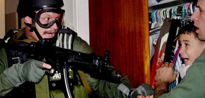 Elian-Gonzalez-held-by-Do-001.jpg