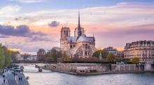Notre_Dame_de_Paris_from_pont_de_la_Tournelle_-_2014_(cropped).jpg