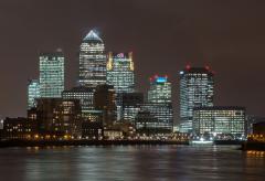 1280px-Canary_Wharf_Skyline_2,_London_UK_-_Oct_2012.jpg