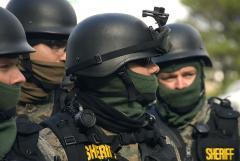 800px-SWAT_team_(4131372991).jpg