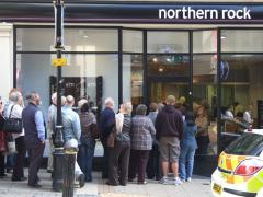 Birmingham_Northern_Rock_bank_run_2007.jpg