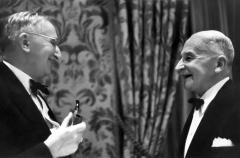 Mises_and_Hayek_0.jpg
