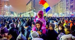 1-Protest_against_corruption_-_Bucharest_2017_-_Piata_Victoriei_-_2.jpg
