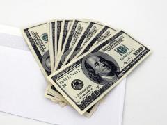 800px-US_Dollars_and_envelope_0.jpg