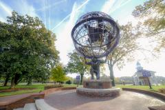 Atlas_statue_at_High_Point_University.jpg