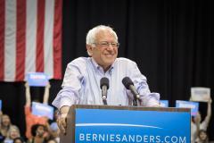 Bernie_Sanders_(20033841412_24d8796e44_c0)_0.jpg