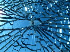 Broken_glass.jpg