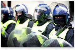 LondonRiotPolice.jpg