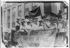 New_York_Fair_1913_float.jpg