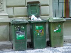 Trash_cans.jpg