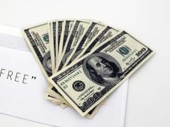 US_Dollars_and_envelope_free.jpg
