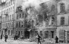 World_War_Two_destroyed_building.jpg