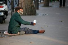 homless_man_Paris.jpg